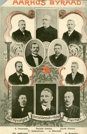 De socialdemokratiske byrådsmedlemmer afbilledet på en plakat i 1906. Aarhus var i perioden 1900-1970 – med undtagelse af 13 år – en socialdemokratisk by, og partiet var dermed en af de primære drivkræfter bag fortolkningen af velfærdsspørgsmålet på boligområdet.